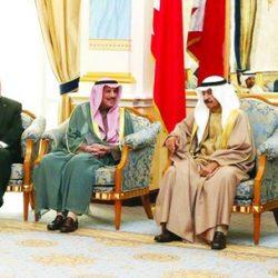 الأمير خليفة بن سلمان يستقبل سفير السعودية