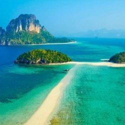 """السعودية تطلق مشروع""""البحر الأحمر"""" يحول 50 جزيرة إلى منتجعات"""