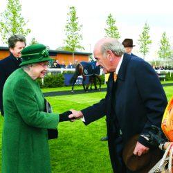 بحضور ملكة بريطانيا «محاضر» لحمدان بن راشد يتألق في نيوبري