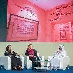 الشيخ محمد بن زايد يستقبل فريق هجن الرئاسة