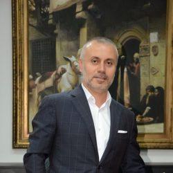 الدكتور عويقل يدشن البرنامج الثقافي الرمضاني  ومعرض الفن روحانيات 2