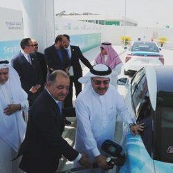"""وزير الثقافة السعودي يقف على """"جدة دوم"""" ويعلن إعادة ترميمه"""
