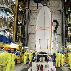 دولة الإمارات تكمل استعداداتها لإطلاق القمر الصناعي من «غيانا» الفرنسية