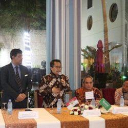 الجمعية النسائية الأولى بجدة تحصد جائزة الملك خالد