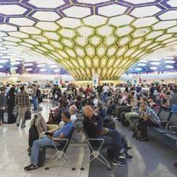 """مطار أبوظبي الدولي يستقبل أول طائرة بوينج """"جرينلاينر"""" لـ """"الاتحاد للطيران"""""""