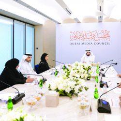 الشيخ أحمد بن محمد يترأس الاجتماع الأول لمجلس دبي للإعلام