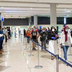 """""""فلاي دبي"""" ترحب بأوائل السياح القادمين"""