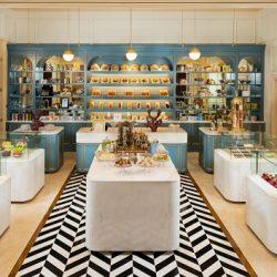"""""""لو كافيه"""" قصر الإمارات يستقبل الزوار يومياً   لتناول الكابتشينو المُزدانة برقائق الذهب عيار 24 قيراط"""