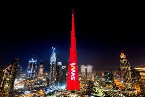 «برج خليفة» يحتفل بـ «سويڤل»