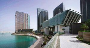 اتفاقية تعاون بين مركز تحكيم سوق أبوظبي العالمي ومركز الشارقة للتحكيم التجاري الدولي
