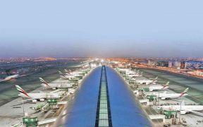 مطارات دبي تتوقع ارتفاعا حادا في السفر بعد تخفيف القيود