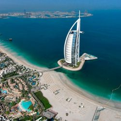دولة الإمارات مؤهلة لكسب المنافسة بقطاع الطيران في «الخمسين» المقبلة